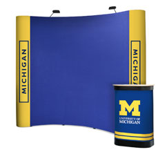 3 x 3 Curved Fabric & Graphic Popup Stand
